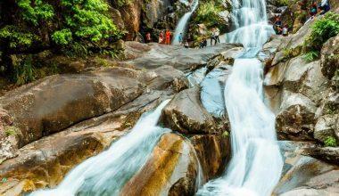 Tầng 2 thác Khe Vằn
